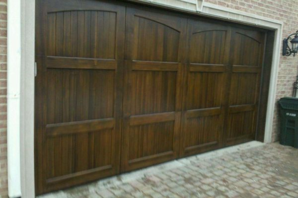 Charmant GARAGE DOORS